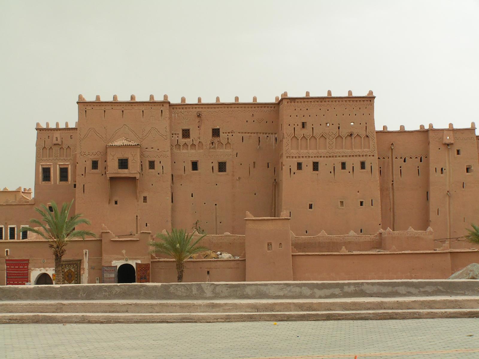 TRAVERSE MGOUN AND SAHARA 9 DAYS